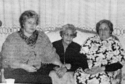 05032017 Sra. Antonia Cázares de Rimada (f) con sus hijas, Beatriz (f) y Emma Rimada (f), en 1952.