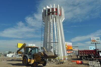Pieza por pieza del monumento (ya que es de concreto prefabricado), será reubicada hasta instalarlo en un lugar de la Unidad Deportiva de esta ciudad.