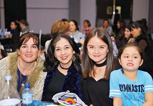 07032017 EN RECIENTE EVENTO.  Loreto, Sara, Sari e Isa.