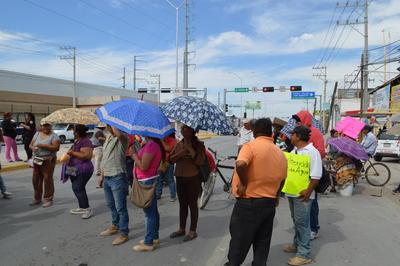 Representantes del Simas Torreón arribaron más tarde hasta el punto de la protesta, indicaron que las obras de reparación de drenaje ya estaban en marcha, pero que era necesario más tiempo para que fueran terminadas.