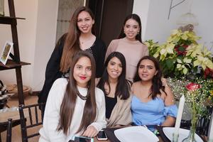 08032017 Luisa, Silvia, Sofía, Vanessa y Cecy.
