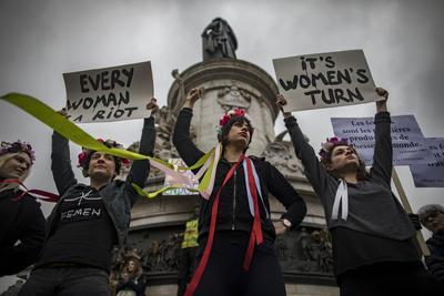 También se realizaron manifestaciones en la Plaza de la República en París, Francia.