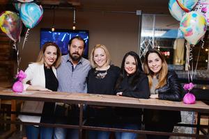 10032017 CUMPLE UN AñO MáS DE VIDA.  Maribel González celebró su cumpleaños en compañía de Valeria, Yair, Heidi y Maricarmen.