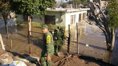 Al sitio se trasladaron elementos de la Secretaría de la Defensa Nacional, Protección Civil y Bomberos.