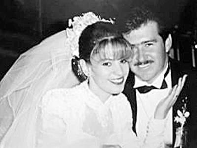 12032017 Sra. Martha Alicia Portillo González de Reynoso y Sr. Jaime Reynoso Chávez, quienes ceMigdaliaVaqueroGonzález. lebraron en octubre sus bodas de plata.