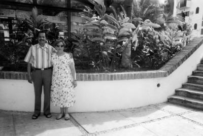 12032017 Ezequiel Saucedo Flores y Amalia Sánchez Guerra, hoy de Saucedo, en Colima. Actualmente, festejan 42 años de casados.