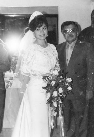 12032017 Benjamín Silva Alvarado en la boda de su hija, Norma Leticia Silva, en la década de los 80.