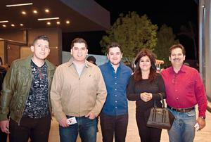 12032017 ASISTEN A CONCIERTO.  Familia Butanda Hernández.