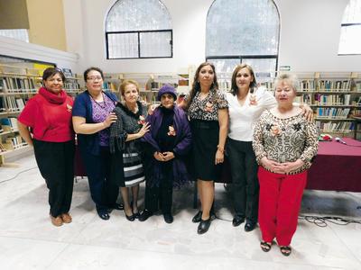 16032017 Adela Esparza, Marylola Vázquez, Irma Leyva, Leticia Carrillo, Blanca Domínguez, Patricia Taboada y Antonia Priego.