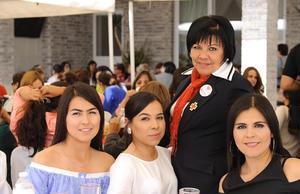 Yaneth, Mayra, Silvia y Rosy