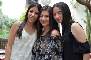 Andrea, Ana Sofía y Mónica