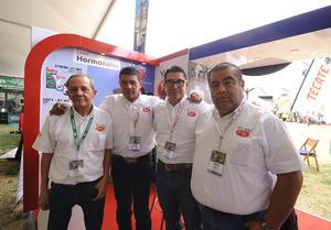 Jorge, Juan José, Israel y Erick