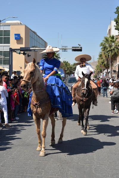 Comenzó frente al Parque Fundadores, por la Múzquiz, para recorrer la avenida Juárez hasta concluir en la Alameda Zaragoza.