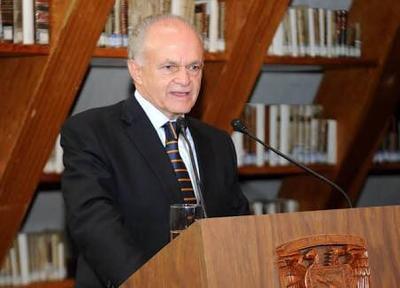 Alfredo Harp Helú (mil 200 millones de dólares).