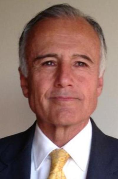 Rufino Vigil González (dos mil millones de dólares).