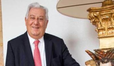 Antonio Del Valle Ruiz (tres mil millones de dólares).