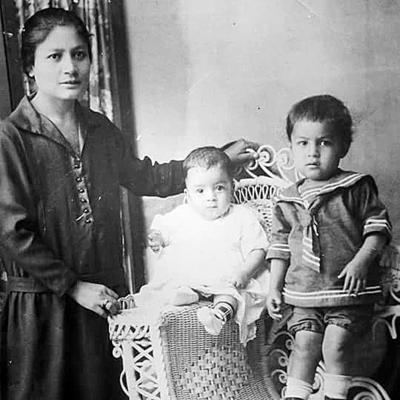 19032017 Sra. Marina Díaz de Sifuentes, Sr. José Sifuentes y Sr. Juan Antonio Sifuentes, hace 90 años.