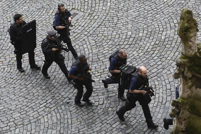 Miembros de la fuerza policial pidieron no usar números de emergencia alternos, sólo en caso de una emergencia real.