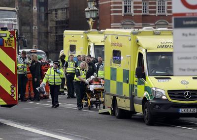 Varias personas resultaron heridas.