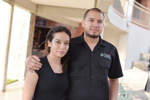 22032017 EN PAREJA.  Gabriela y Jesús.