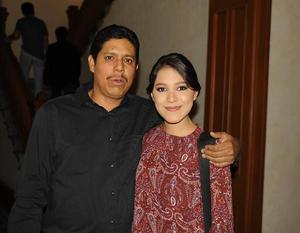 25032017 Lorena Torres y Leonel García.