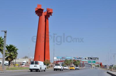 El Torreón del Porvenir, del escultor Sebastián, cuenta con un diseño futurista, conmemorativo de los 100 años.