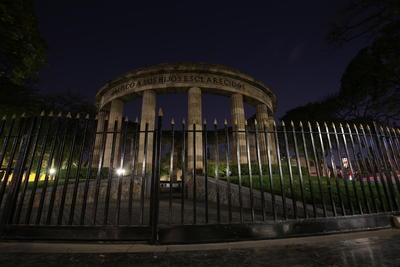 La rondade los Hombres Ilustres en Guadalajara, Jalisco.