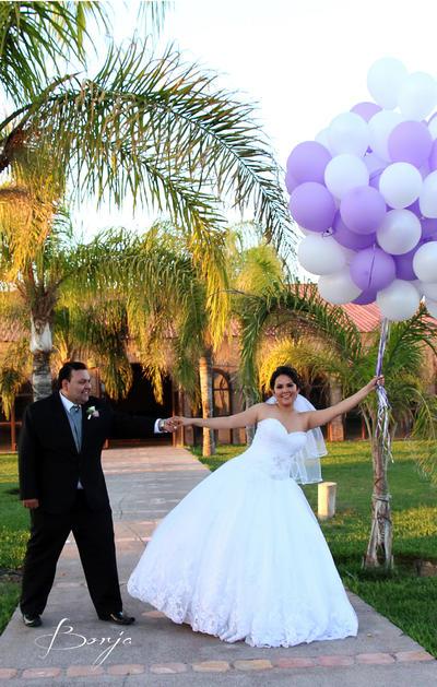 26032017 Julio Alejandro Valdez Muñoz y Alexis Niño Quiñones contrajeron matrimonio la tarde del 18 de marzo. - Borja Estudio