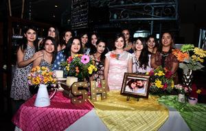 26032017 SE DESPIDE DE SU SOLTERíA.  Silvia Lizeth Juárez Rojo acompañada de Nadia, Cecy, Vasty, Gaby, Fernanda, Mara, Daniela, Mariel, Nadia, Ilsse y Edna.