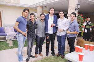 27032017 CELEBRA SU CUMPLE.  Andrés Román con sus amigos del colegio.