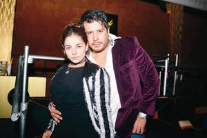 26032017 EN EL ANTRO.  Daniela y Jorge.