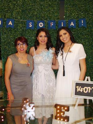 26032017 SE CASARá EN ABRIL.  Ana Sofía Meza con María Eugenia Cervantes y Mary Carmen Meza.