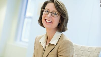 Abigail Johnson, presidenta y CEO para Estados Unidos de Fidelity Investments, con 14 mil 400 mdd, es octava.
