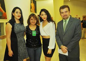 28032017 Daniela Navarrete, Alejandra Rivera, Esperanza Reyes y Omar Lozano Cantú.