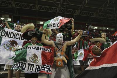 La afición mexicana se hizo presente en Puerto España.