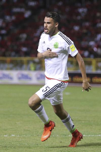 Diego Reyes anotó de cabeza el gol del triunfo al minuto 58.