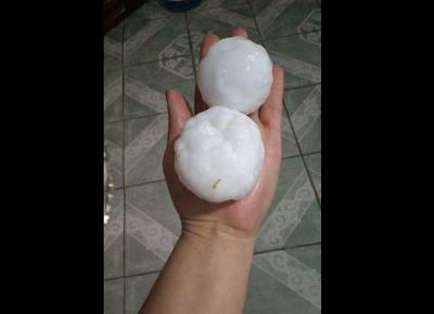 Las autoridades de Protección Civil y Bomberos de Ciudad Acuña señalan que la tormenta registrada la noche del martes y madrugada del miércoles, no generó grandes afectaciones; solo la suspensión del suministro de energía eléctrica.