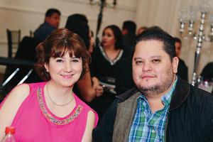 30032017 MUY CONTENTOS.  Verónica y Manuel.