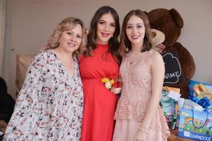 31032017 EN SU BABY SHOWER.  Alessandra con Ana Elena y Annel.