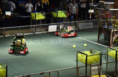 Con robots de tamaño industrial diseñados y programados con varias semanas de anticipación los equipos buscarán obtener los mayores puntajes.