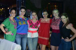 Gaby, Yadira, Paola, Fabiola, Moni y Martha