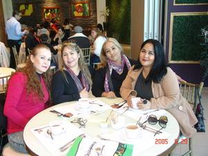 01042017 CELEBRA SU CUMPLE.  Adriana García con Sandra, Lulú y Rosy.