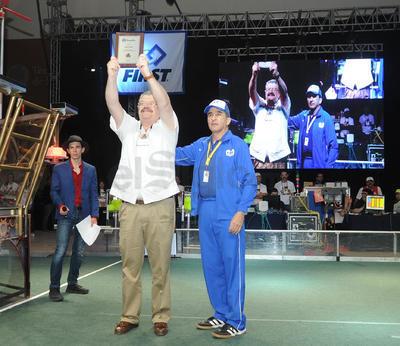 Es la primera vez que se celebra la competencia de robótica en la región.