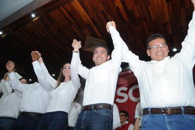 En los primeros minutos de hoy domingo el candidato a la alcaldía de Torreón por el Partido Revolucionario Institucional (PRI) Miguel Felipe Mery Ayup, así como los candidatos a las distintas diputaciones locales del mismo instituto político iniciaron formalmente su campaña proselitista rumbo a las elecciones del próximo domingo 4 de junio.
