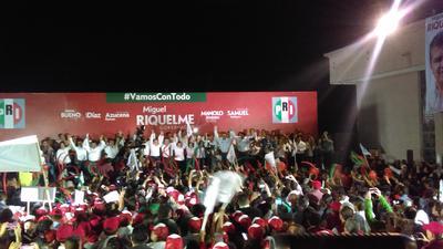 Durante su discurso Riquelme prometió realizar una campaña de propuestas, de altura y austera. E indicó que el tema de seguridad seguirá como prioridad.