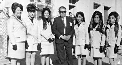 02042017 Peregrinación en 1967: Elsa, Ma. Luisa, Rebeca, Alejandro, Balvina, Rafaela y Beatriz.