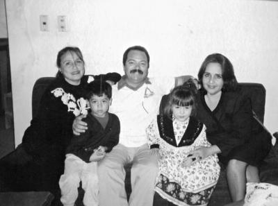 02042017 Sra. Emma Carrillo, Mauricio Carrillo, Sr. Sergio Carrillo, Marce Gorgón y Sra. Guadalupe Carrillo Nájera.