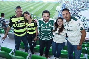 02042017 Luciano Espinoza, Brenda Espinoza, Carlos Guillén, Jessica Martínez y Marco Espinoza.