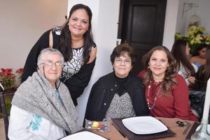 03042017 POSAN PARA LA FOTO.  Ana Elena, María Luisa, Concepción y Oralia.