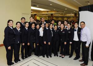 02042017 BINGO ROTARIO.  Alumnos de Hospitalidad UVM.